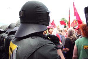 pressefotograf_stuttgart_demo_polizei