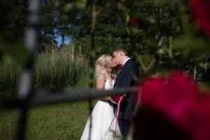 Hochzeitsfotograf hochzeitspaar küssend fotograf kirchheim teck