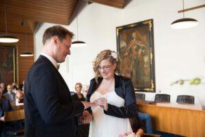 Hochzeitsfotograf Hochzeitspaar Ringübergabe